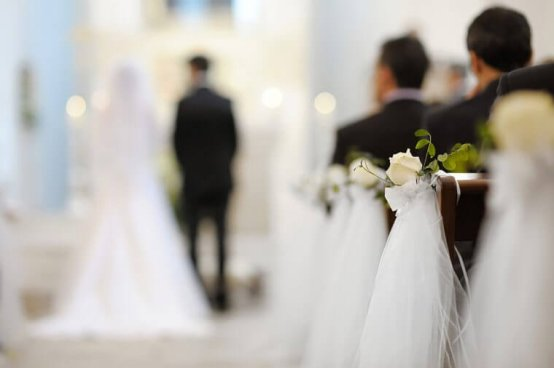 07_Seat_Royal-Wedding-Etiquette-Rules-The-Monarchy-Always-Follows_66686689_MNStudio-760x506