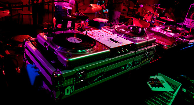 dj-equipment-dj-gear